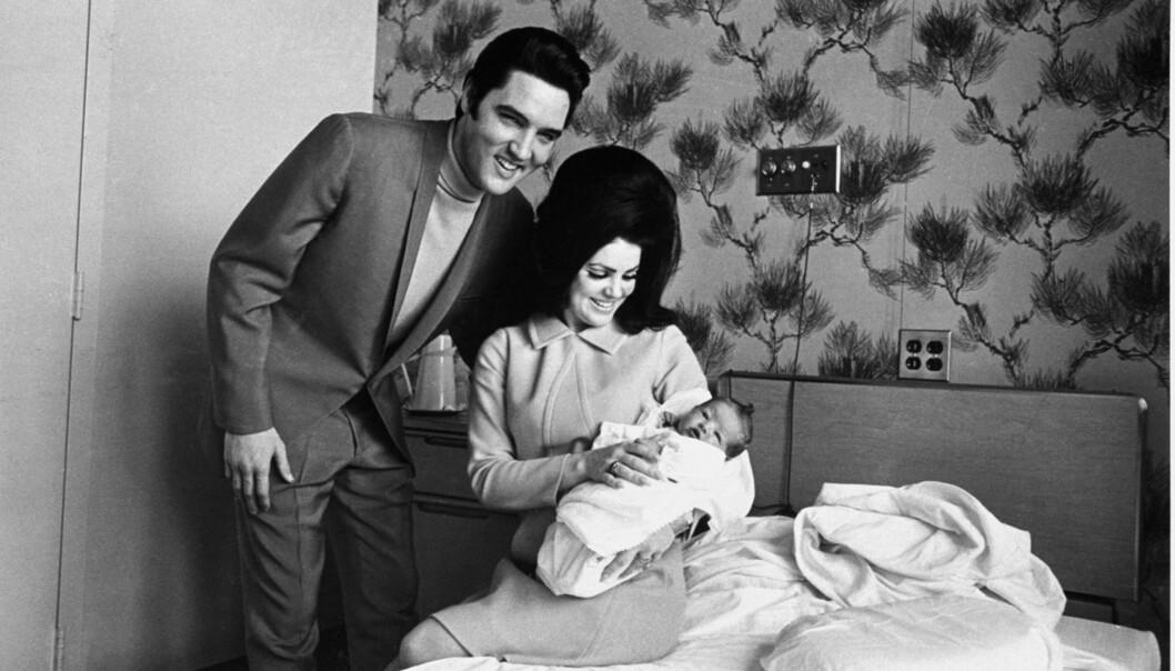 LYKKELIGE: Lisa Marie Presley kom til verden nøyaktig ni måneder etter at paret giftet seg i Las Vegas 1. mai 1967. Foto: NTB Scanpix
