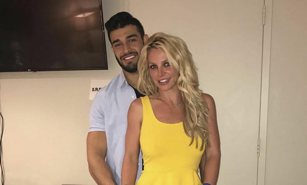DRØMMER OM BRYLLUP: Britney legger ikke skjul på at hun er svært forelsket i Sam Asghari, og har delt en rekke bilder av sin unge flamme på sosiale medier. Foto: Instagram