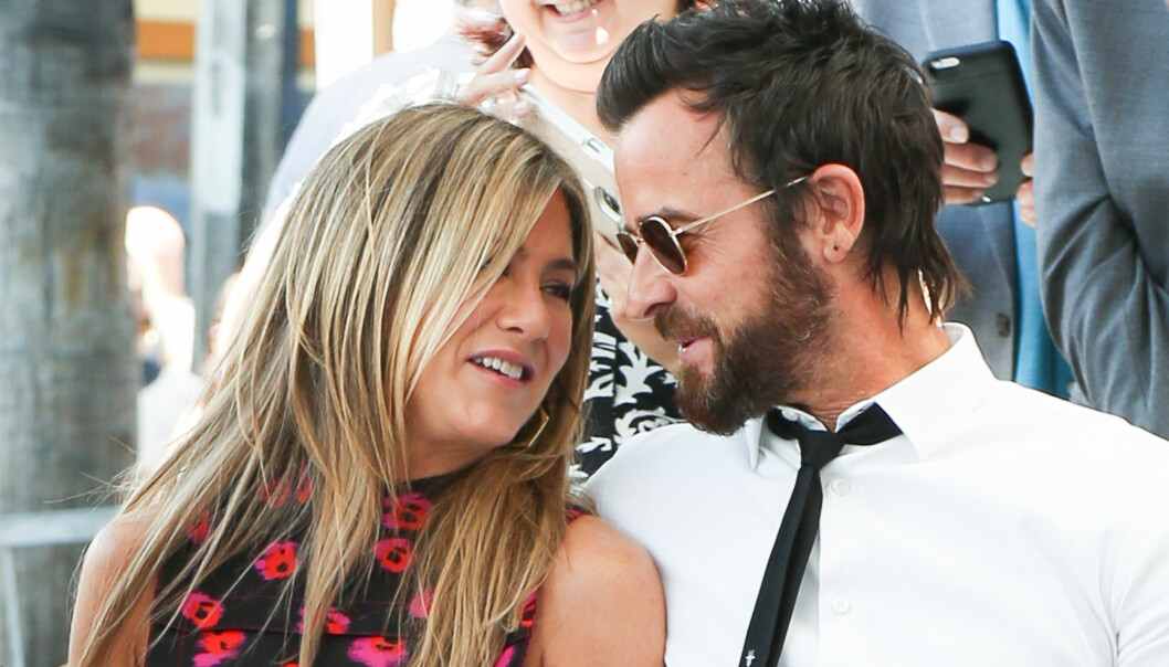 HETE FØLELSER:Jennifer og Justin er oppslukt av hverandre, og glemte noen ganger å holde fokus mot scenen. Foto: Splash News