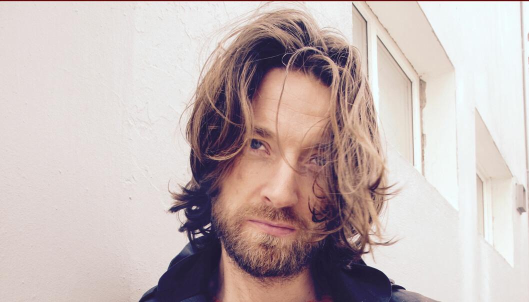 <strong>SOLO I SINNET:</strong> Soloprosjektet til Eirik Glambek Bøe fra Kings of Convenience låter som et fokusert Kings of Convenience, skriver vår anmelder. Foto: Promo.