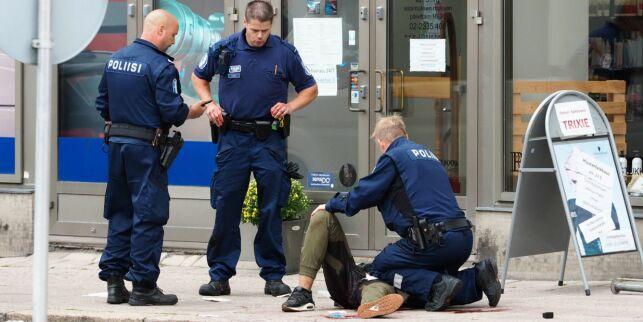 image: Finsk politi tror knivangrepet i Finland var rettet mot kvinner