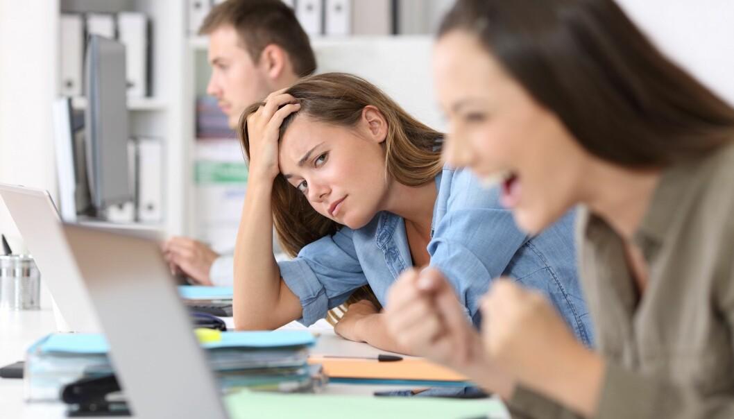 TAPER: Føler du at du alltid blir overgått av en kollega som er mer frampå, kan det gå kraftig utover både trivsel og mestringsfølelse. Foto: SCANPIX.