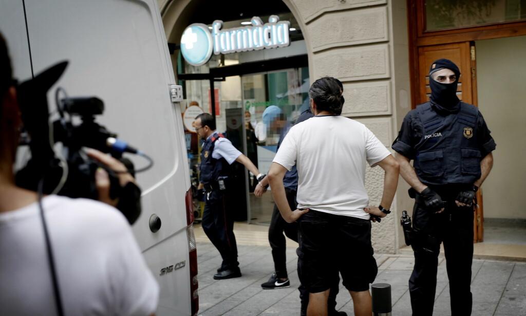 PÅGRIPELSE: Dagbladets team var til stede i Ripoll, da en mann ble pågprepet - mistenkt for terrorangrepet på La Rambla. Foto: Anita Arntzen / Dagbladet