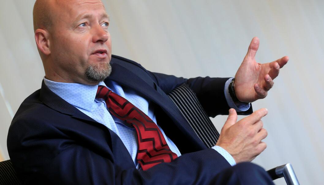 <strong>VIL UT:</strong> Sjef for Oljefondet, Yngve Slyngstad mener fondet bør flyttes ut av Norges Bank. Foto: REUTERS/Ints Kalnins