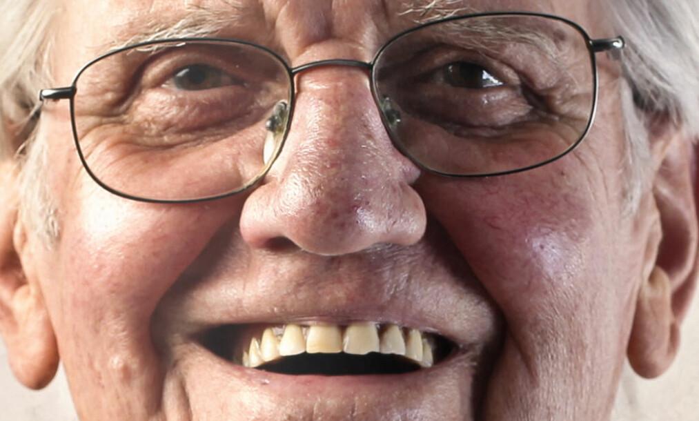 <strong>LER HELE VEIEN TIL BRILLEBUTIKKEN:</strong> Og ikke nok med det, de skal selvsagt ha større «aldersrabatt» på briller også, skriver forfatteren av dette innlegget om «de voksne» som stikker av med penga. Illustrasjonsfoto: Shutterstock / NTB Scanpix