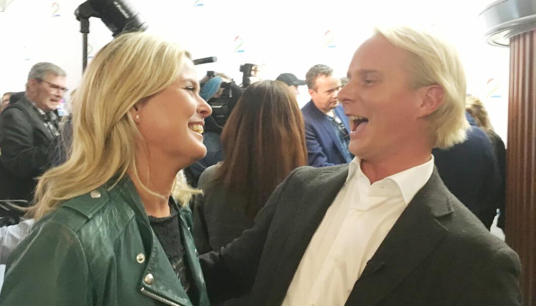 FORELSKET: Det er ingen tvil om at stemningen er god mellom det forelskede kjendisparet. Vi møtte paret på TV 2 Høstlanseringen i Oslo i slutten av august. Foto: Malini Gaare Bjørnstad