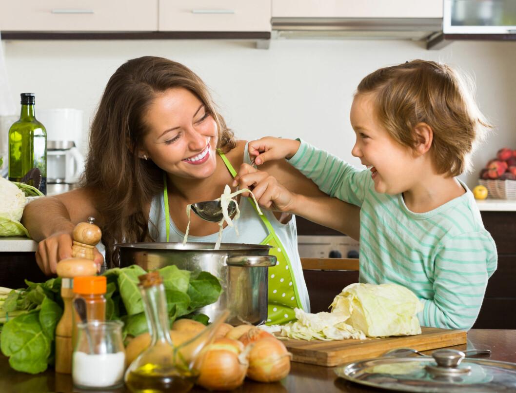DAMPING: For å ta vare på kålens kreftbeskyttende egenskaper bør du velge å dampe den i stedet for å koke den.  Foto: JackF - Fotolia