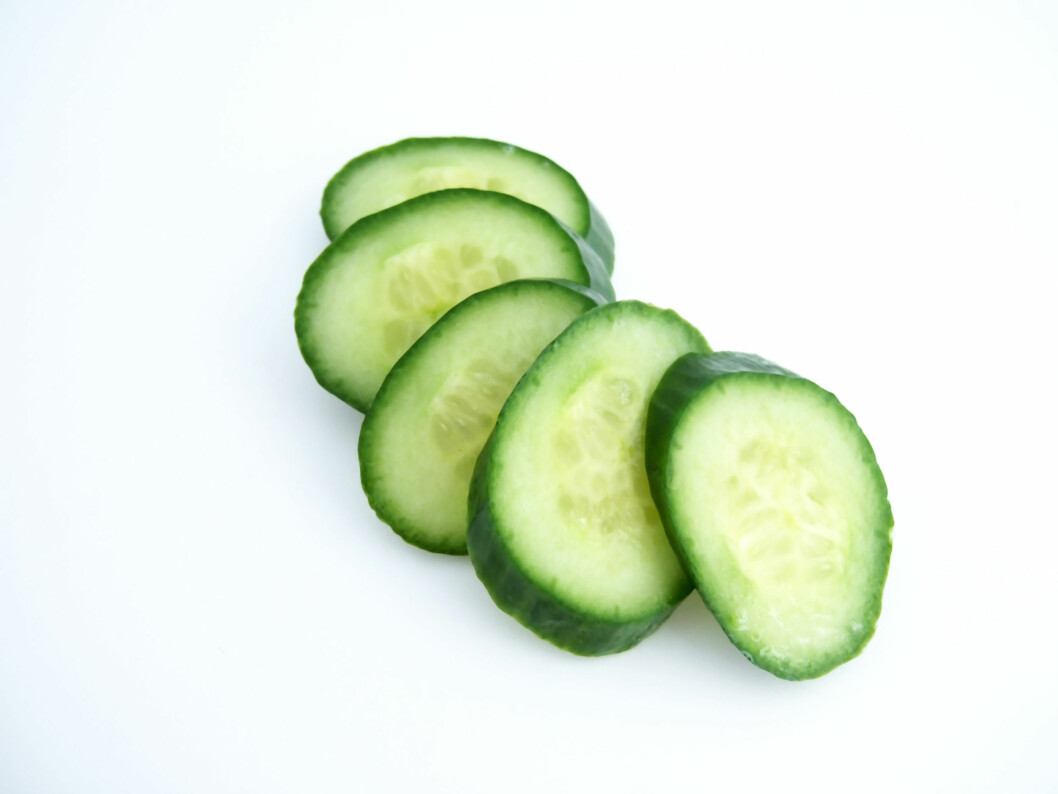 AGURK REDUSERER OPPBLÅSTHET: Dersom du er oppblåst bør du spise agurk. Det virker nemlig vanndrivende.  Foto: lyudmila_b - Fotolia