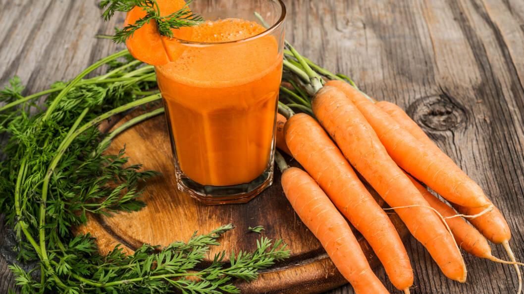 GULROT: Klinisk ernæringsfysiolog Stine Malvik, kan fortelle at gulrot er en av matvarene du bør gi plass til i kosten din hver eneste dag. Foto: poplasen - Fotolia