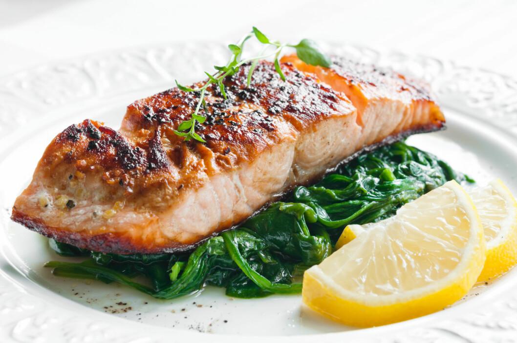 FISK: Liker du det ikke? Det er mange gode grunner til at du bør spise fisk 2-3 ganger i uken, og spiser du det ikke ofte nok så risikerer du å gå glipp av viktigte næringsstoffer - spesielt hvis du ikke spiser fisk i det hele tatt. Foto: Tiramisu Studio - Fotolia