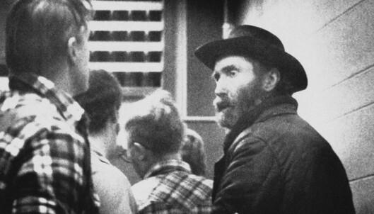 PÅGREPET: Don Nichols like etter pågripelsen i desember 1984. Foto: AP Photo, / NTB Scanpix
