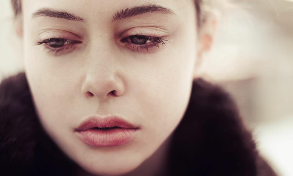 VÆRE NEDFOR: Alle opplever å være nedfor, men hvorfor skjer det av og til når alt i livet egentlig er veldig bra? FOTO: NTB scanpix