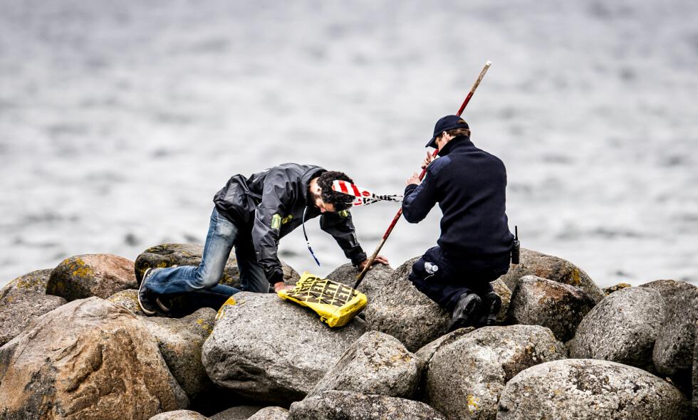 LETING: Politiet leter etter levninger av Kim Wall på Amager utenfor København i dag. Foto: Mads Claus Rasmussen / Scanpix Danmark / NTB Scanpix