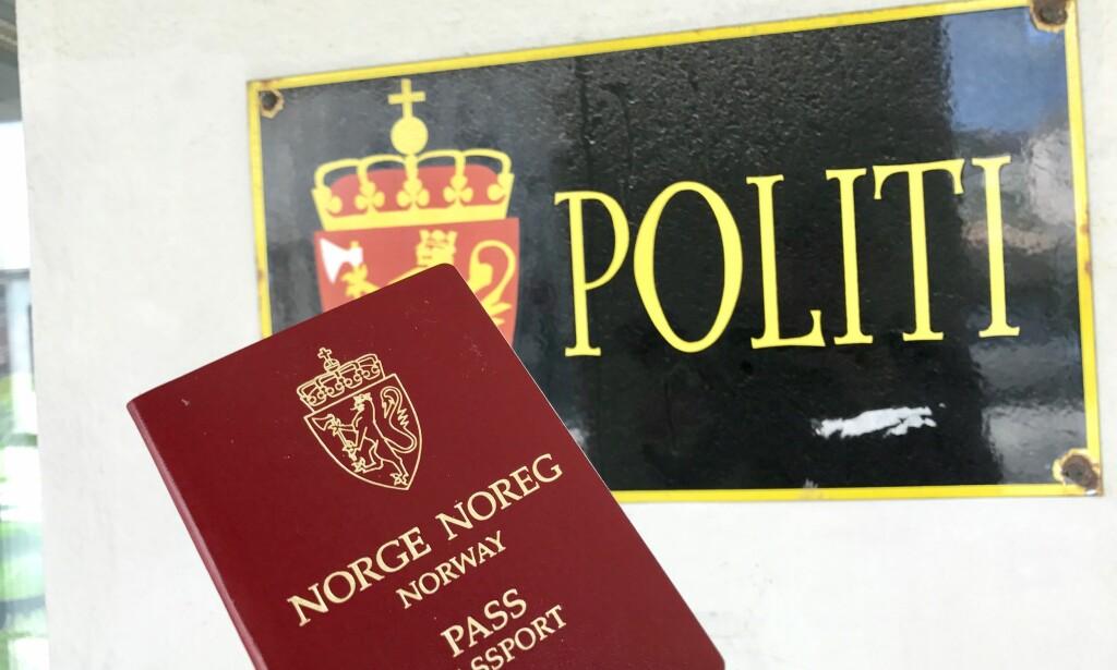 BEHOLD PASSET: Passet blir eneste gyldig ID utenfor EØS-landene. Og enn så lenge også eneste gyldige ID innenfor Schengenlandene. Foto: Odd Roar Lange/The Travel Inspector