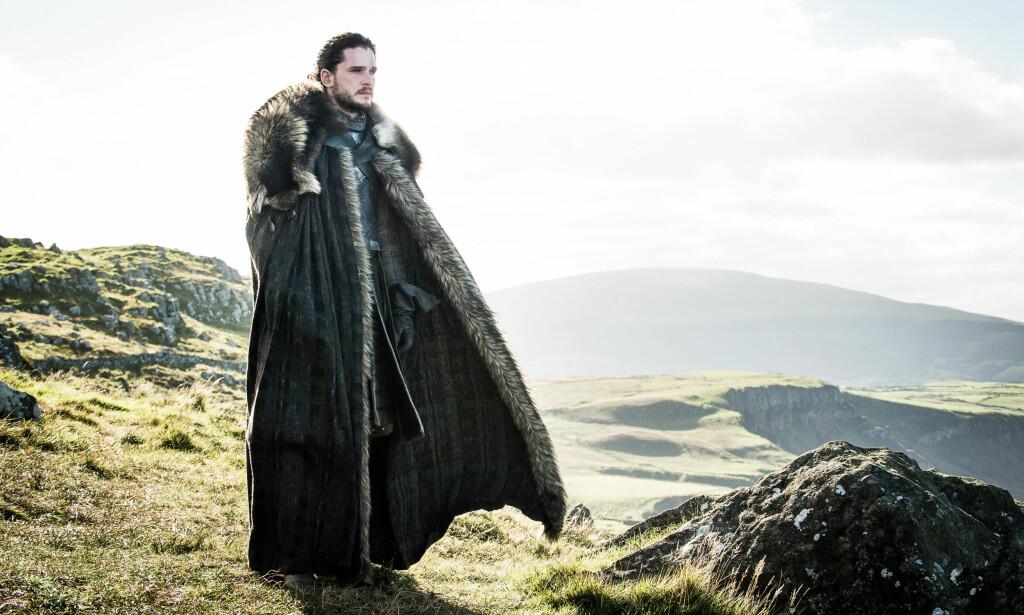 MESSIASFIGUR? Jon Snow ligner mer og mer en klassisk fantasyhelt. Men George RR Martin er ikke kjent for å følge sjangernormene. Foto: HBO NORDIC