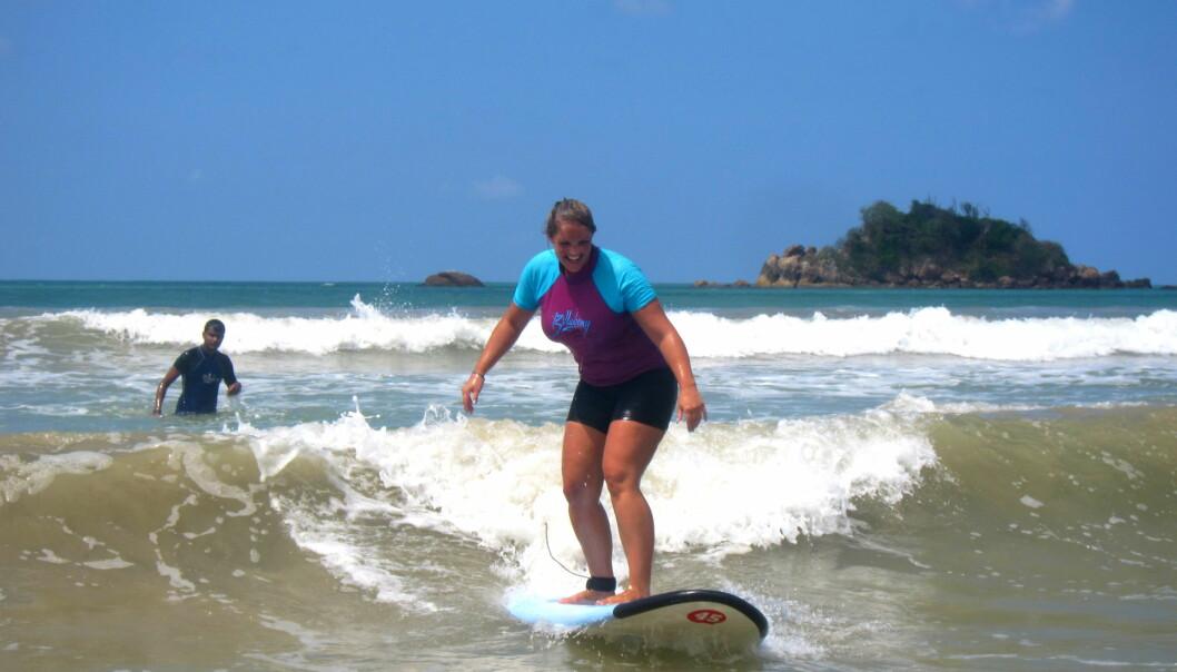 Bor rett ved stranden: Merete jobber mye, men når hun har tid, liker hun å ta med familien på aktiviteter ved den flotte stranda. (Foto: Privat)