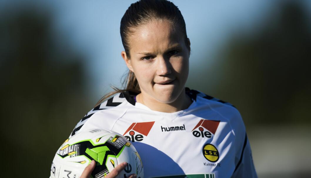 <strong>TOPPSPILLER:</strong> LSK bekrefter at Guro Reiten forlenger kontrakten med klubben. Her er Reiten under toppseriekampen mellom Stabæk og LSK Kvinner på Nadderud stadion. Foto: Jon Olav Nesvold / NTB scanpix