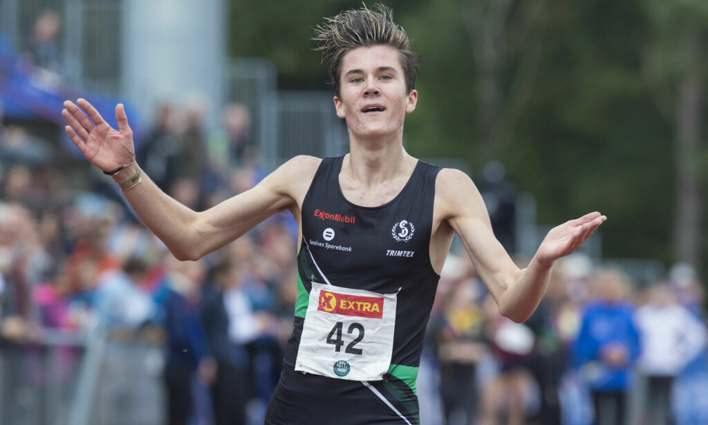 HYLLES: Jakob Ingebrigtsen vekker internasjonal oppsikt etter sine utrolige bragder som 16-åring. I friidretts-NM banket han seniorene og tok tre gull. Foto: Vidar Ruud / NTB scanpix