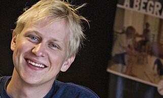 TAR DET MED ET SMIL: Øyvind Vogt, komiker og programleder, plages ikke av at han muligens kan bli stortingspolitiker. Foto: Torbjørn Berg / Dagbladet