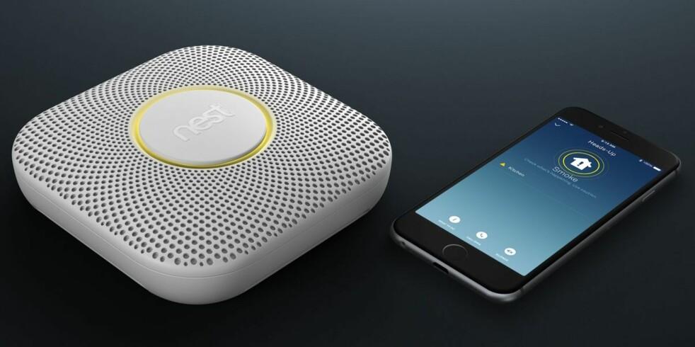 <strong>SMART RØYKVARSLER:</strong> Røykvarsleren fra Google-eide Nest har nå kommet i butikkene også her i Norge. Foto: Nest