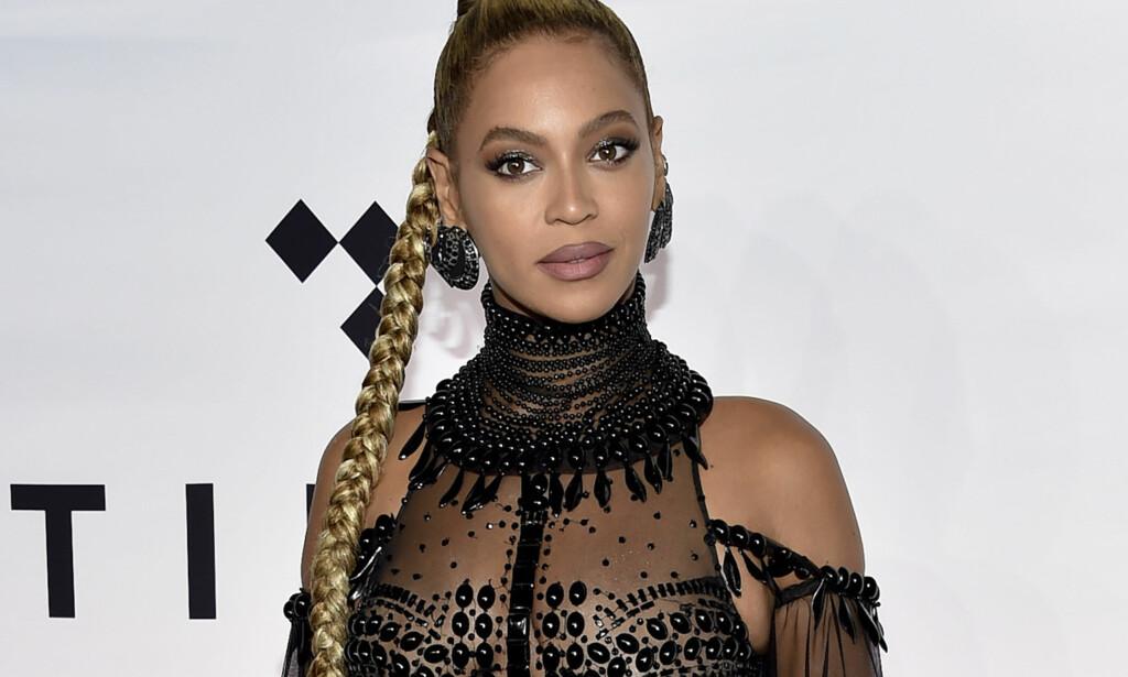 HJEMBYEN: Popikonet Beyoncé er selv fra Texas, og legger ikke skjul på at naturkatastrofen har truffet henne hardt. Foto: NTB scanpix