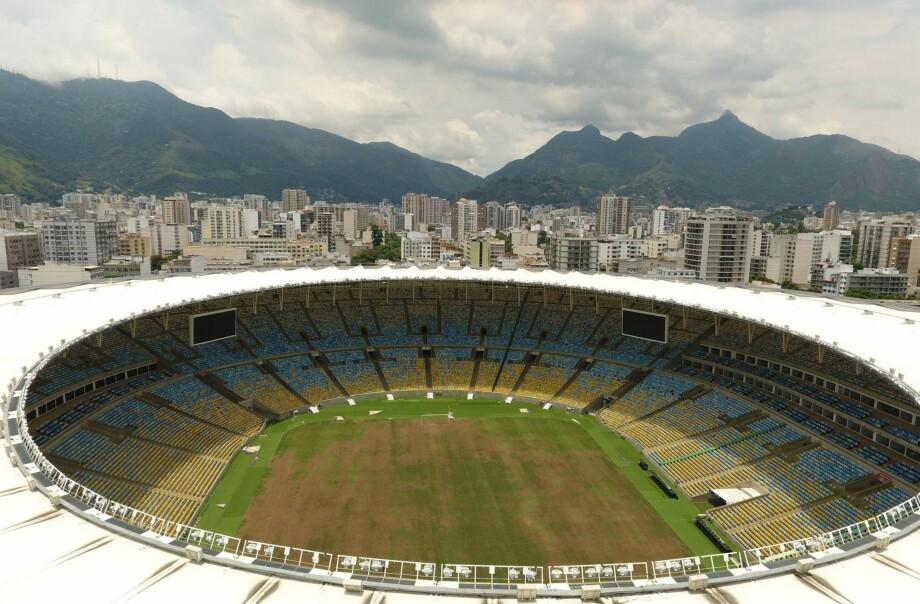 STENGT: Maracana stadion spilte en viktig rolle under fotball-VM i Rio de Janeiro i 2014 og OL i 2016. Nå er den stengt og preget av forfall på grunn av kontraktsproblemer. Foto: NTB Scanpix