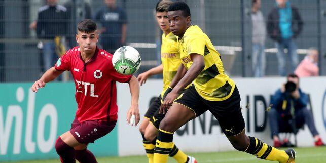 image: Kritisk til 12-åringen som forbløffer fotballverden: - Uvanlig