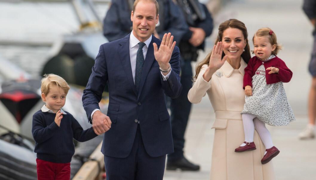 <strong>FAMILIELYKKE:</strong> Hertuginne Kate og prins William sammen med barna George (4) og Charlotte (2). Nå venter de sitt tredje barn. Foto: NTB scanpix
