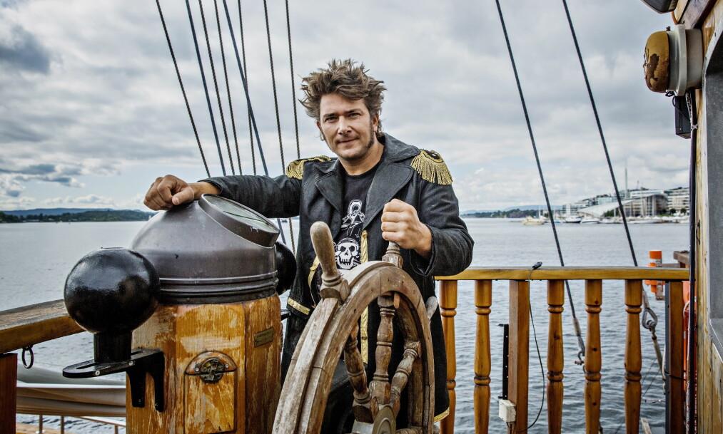 <strong>NY EKSPEDISJON:</strong> Jarle Andhøy og en håndfull nye og gamle venner reiser på et farefullt oppdrag. - Vi skal oppsøke ekte pirater utenfor Afrikas østkyst, sier han, her ombord i båten «Lady Mack». Foto: Jørn H Moen