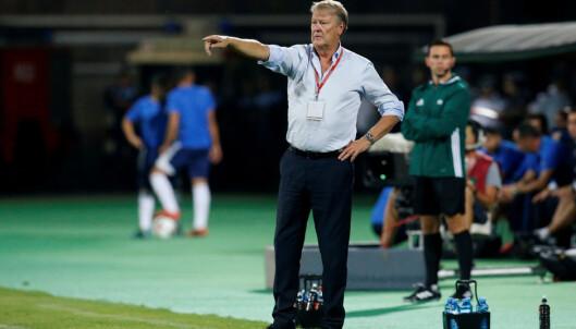<strong>LANDSLAGSSJEF:</strong> Åge Hareide får skryt av sine egne spillere. Foto: REUTERS/David Mdzinarishvili