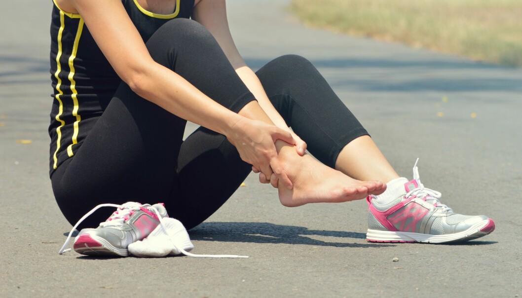 VANLIG HOS DE SOM TRENER: Betennelser i foten er desto vanligere hos mennesker som er aktive. FOTO: Scanpix.com