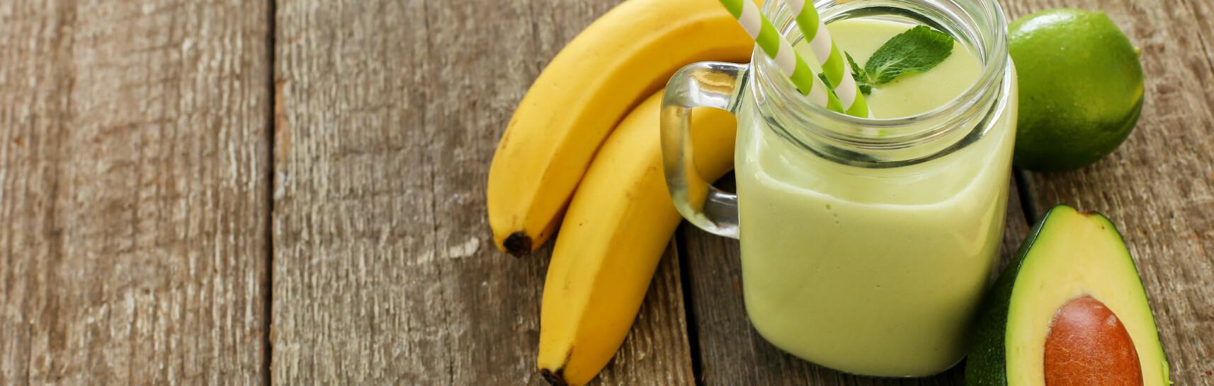 SMOOTHIE: Skal du få sterkere hår og negler, er avokado en nøkkel-ingrediens i smoothien din. FOTO: Fotolia
