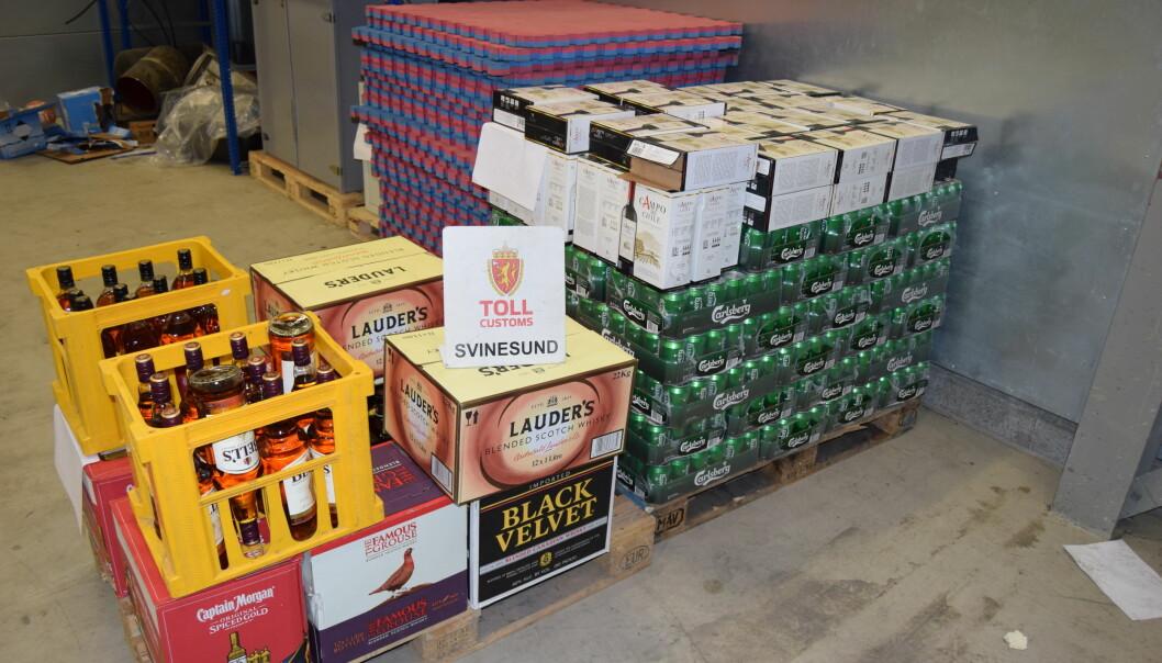 STORE BESLAG: I 2016 gjorde tollerne rekordbeslag av øl, og tallene blir også høye i 2017. Foto: Tollvesenet
