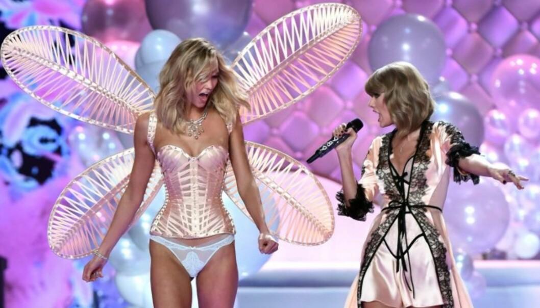 VERDENSKJENT: Karlie Kloss har gått for store motehus, og har for mange også vært et høydepunkt under den storslåtte undertøyvisningen til Victoria's Secret. Hun er også kjent for sitt nære vennskap med Taylor Swift. Foto: NTB scanpix