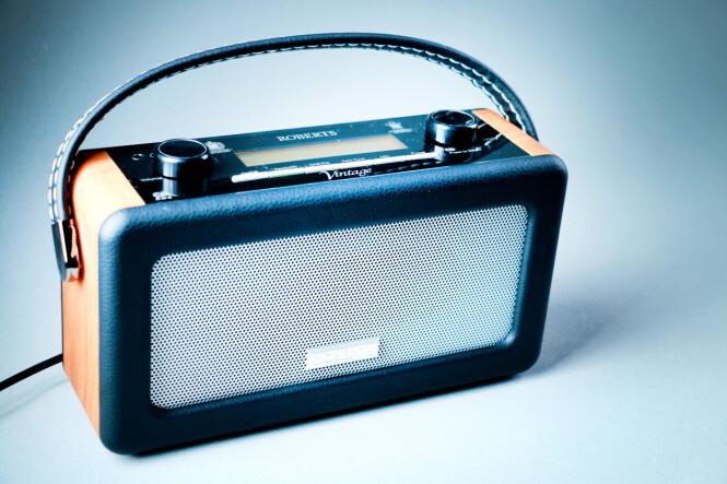 <strong>RETRO:</strong> Vintage-radioen minner om noe du kunne arvet fra en oldemor. Foto: Ole Petter Baugerød Stokke