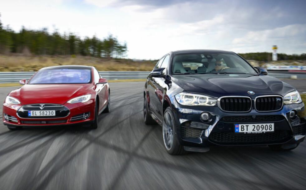 <strong>BMW UTFORDRER TESLA:</strong> Med 12 elbiler (25 elektrifiserte) kan BMW plutselig komme et hestehode foran Tesla i kampen om framtidsbilene. Foto: Jamieson Pothecary