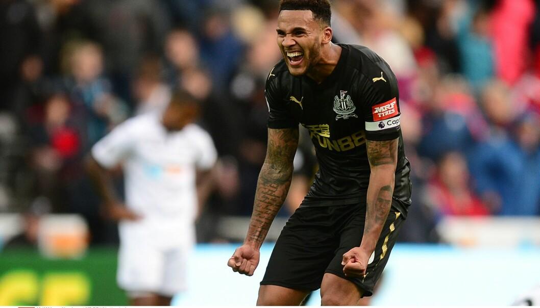 <strong>GLAD:</strong> Newcastles kaptein for dagen Jamaal Lascelles var så fornøyd etter å ha avgjort Premier League-oppgjøret. Foto: Alex James/JMP/REX/Shutterstock/NTB Scanpix