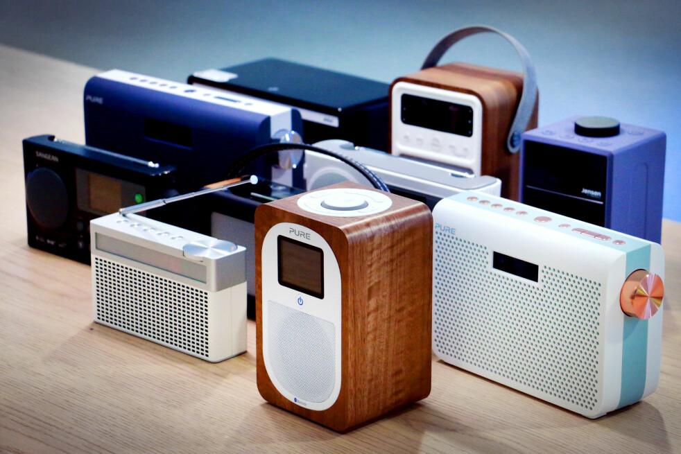 <strong>MELLOMKLASSEN:</strong> Disse radioene koster mellom 1.000 og 2.000 kroner. Forskjellene er store, både når det gjelder lyd og brukervennlighet. Foto: Ole Petter Baugerød Stokke