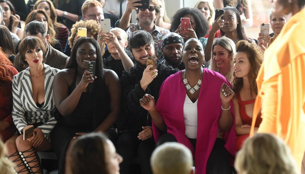 LESLIE JONES: Komikeren og skuespilleren lagde show for alle penga på første rad under New York Fashion Week.