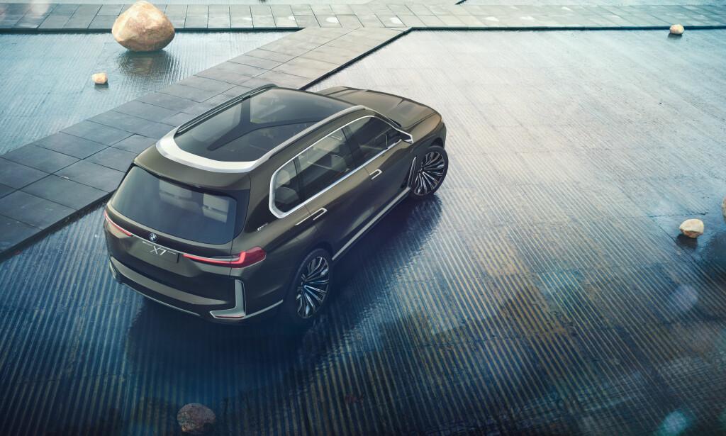 Gedigen: Med tre fullverdige seterader er X7 en fullvoksen bil. Foto: BMW