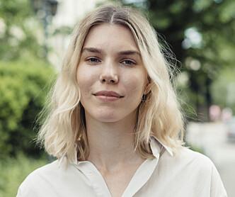 IKKE OVERBEVIST: Tekstforfatter og blogger Maja Hattvang mener det finnes bedre alternativer til krystalldeodoranten. Foto: Anne Valeur