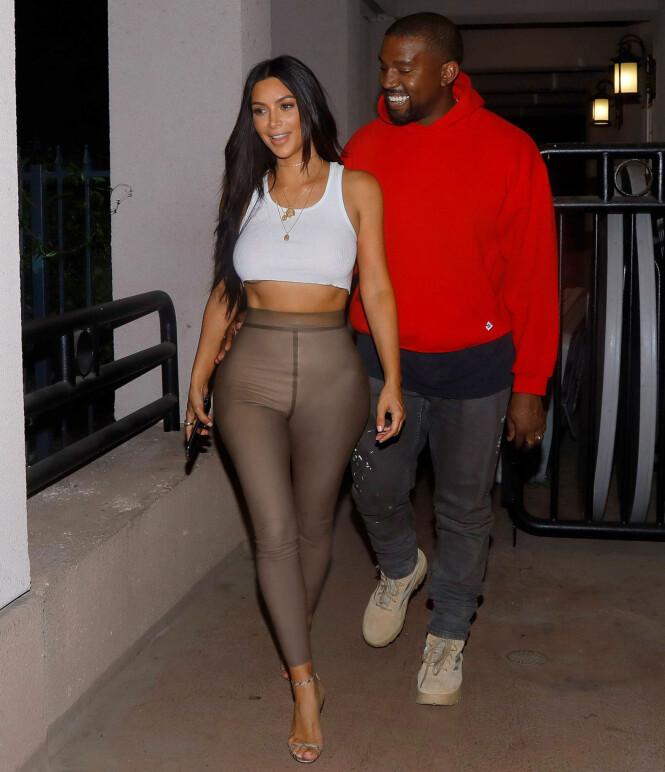 PÅ DATE: Kanye er gift med «Keeping up with the Kardashians»-stjerne Kim Kardashian. Sammen har paret to barn, North og Saint. Foto: Splash News