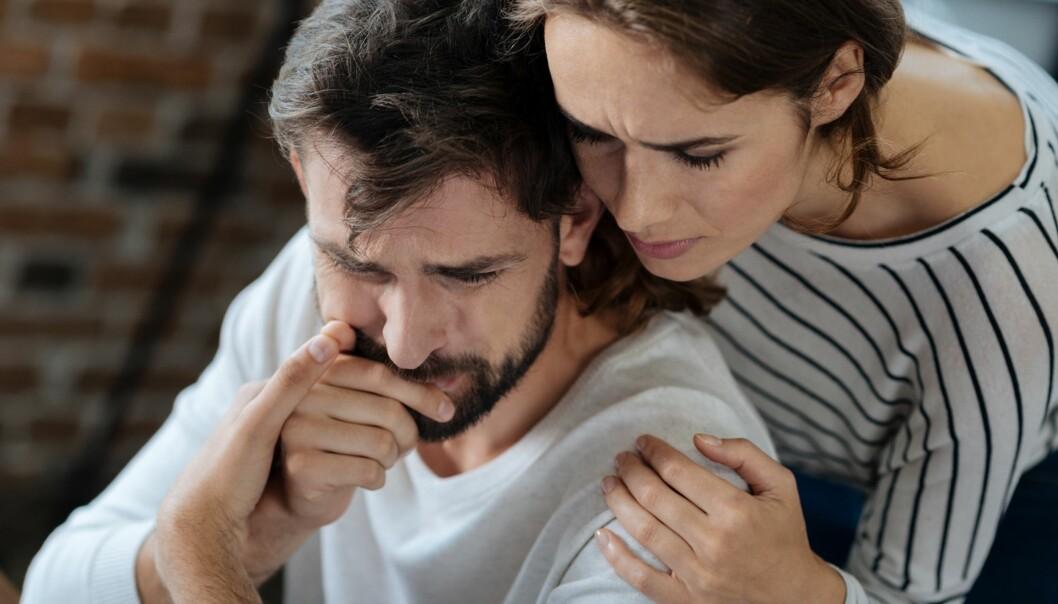 UNNGÅ KONFLIKT: Å alltid tilpasse seg partnerens humørsvigninger, og å unngå konflikter, kan være et tegn på medavhengighet. Foto: Scanpix.no.