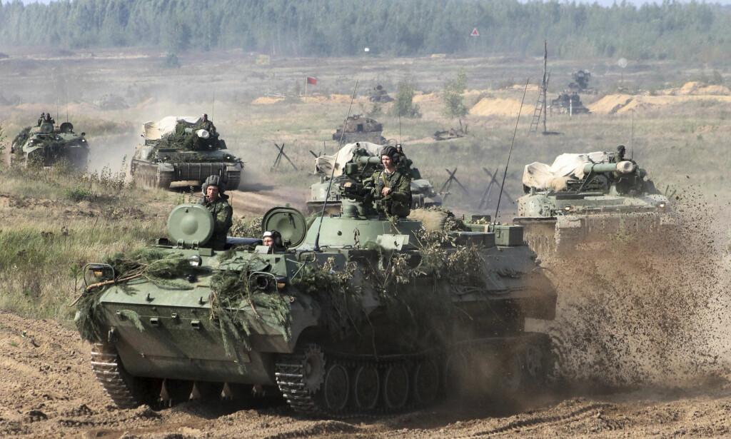 SPILL? Hviterussiske soldater forbereder øvelsen Zapad tidligere i uka. Foto: AP / NTB Scanpix