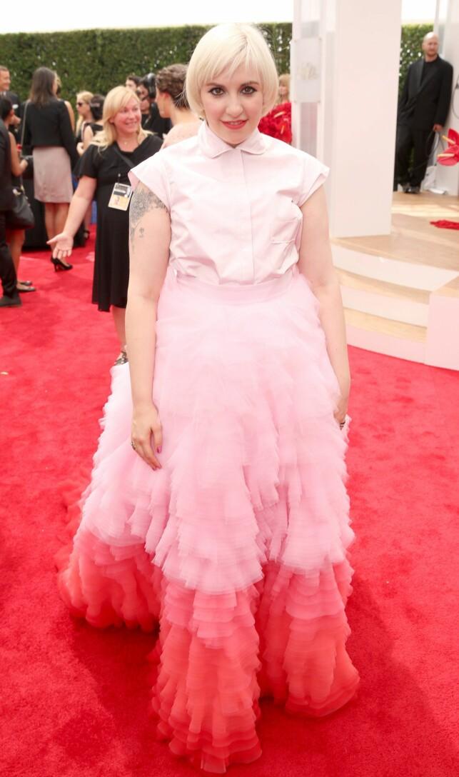 ROSA IDYLL: Lena Dunham fikk blandet tilbakemelding for antrekket sitt i 2014. Foto: NTB Scanpix