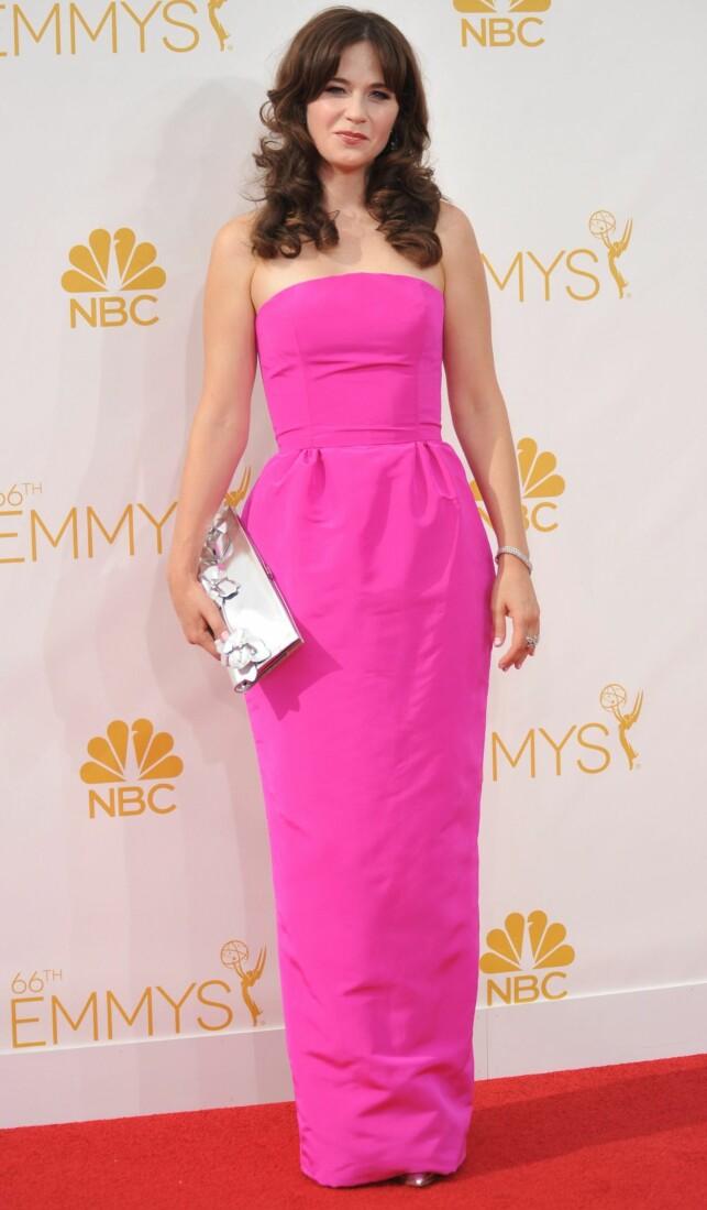 TRENGTE STRYKEJERN: Zooey fikk kritikk for å ha valgt en kjole uten former. Dessuten mente ekspertene at den hadde trengt en runde med strykejern før den røde løperen. Foto: NTB Scanpix