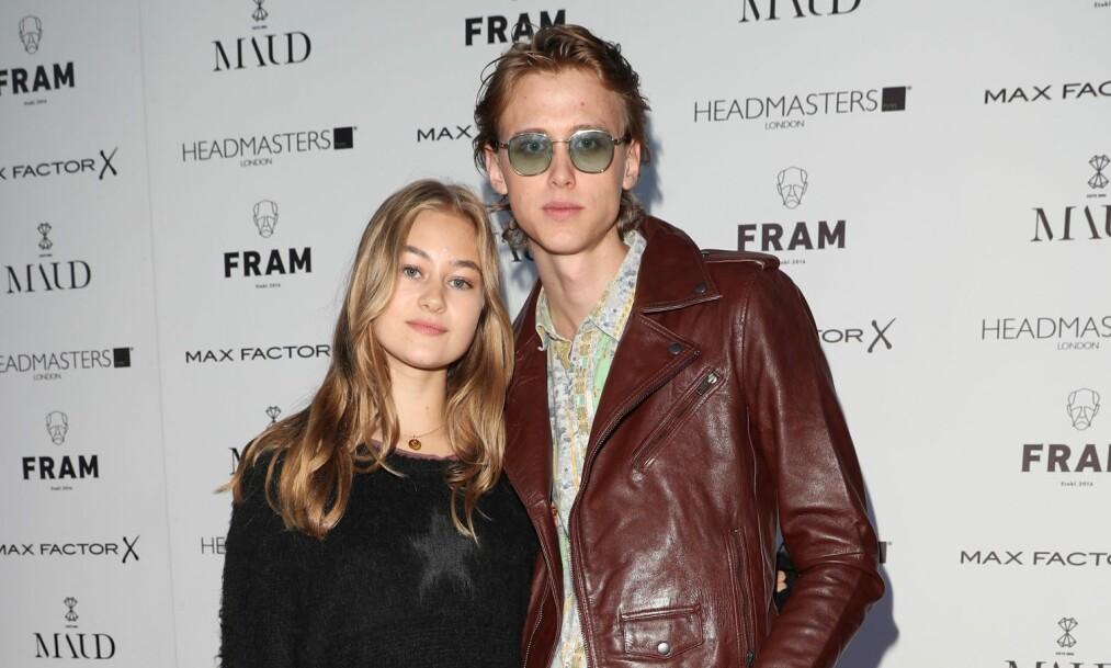 MOTEPAR: Lea Meyer og Henrik Holm har på få måneder klart å bli et av landets heiteste par. De er ofte å se på rød løper sammen, mens de begge jobber som skuespillere og modeller. Nå har utenlandsk motepresse fått øynene opp for duoen. Foto: Andreas Fadum