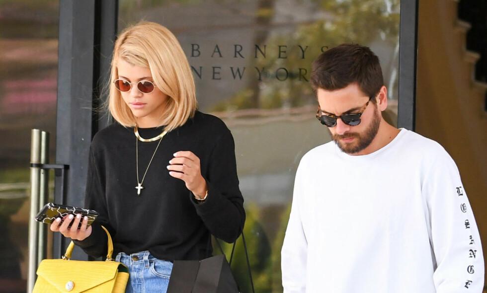 TILBRINGER TID: Scott Disick og Sofia Richie blir stadig observert sammen. Her var duoen på shopping i Los Angeles fredag denne uken. Foto: Shutterstock