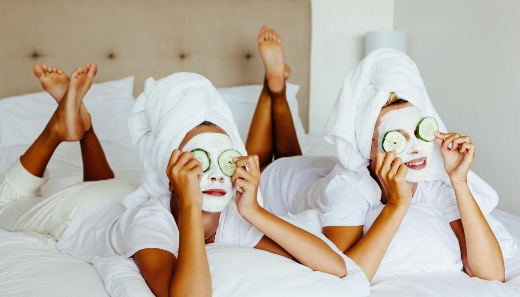 ANSIKTSMASKER: Det er viktig å forberede huden før du tar en ansiktsmaske. FOTO: NTB Scanpix