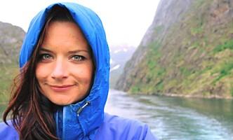 HJELPER TIL: Ane Rosnes er i Mexico City og hjelper til med å lete etter overlevende. Foto: Privat